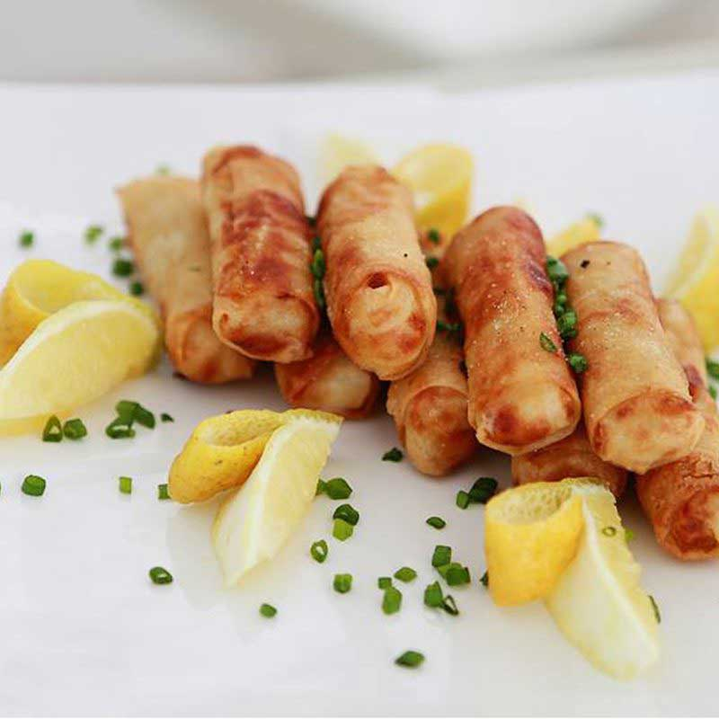 crispy springrolls with tangy lemon