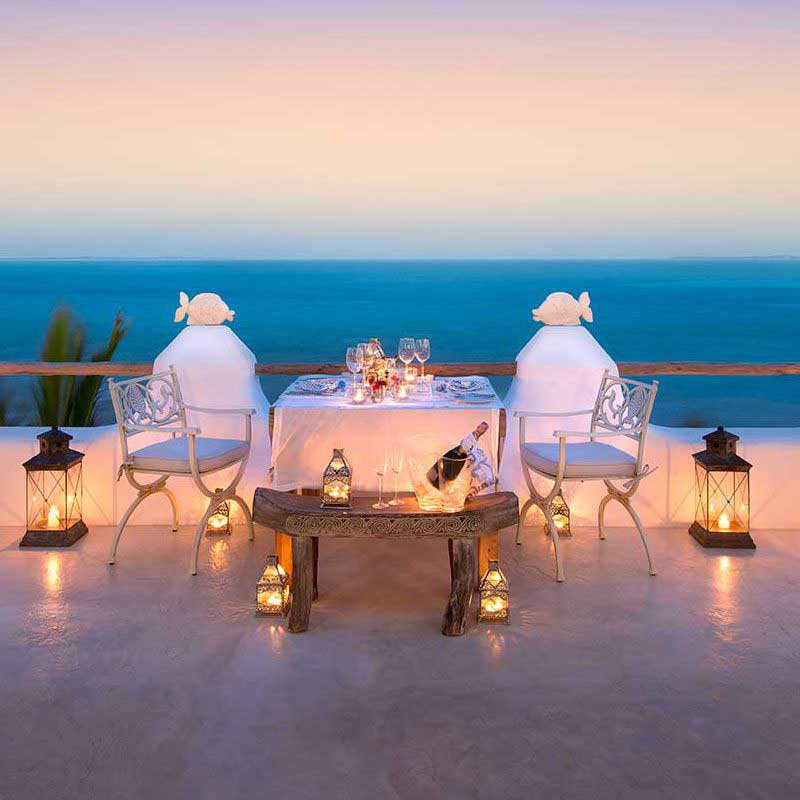 romantic dining at villa da praia